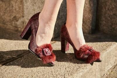 Zapato uva croco detalle removible