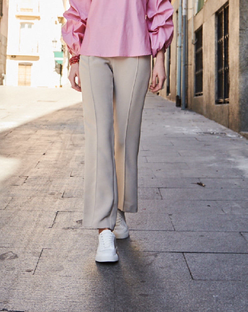 Pantalón color beige
