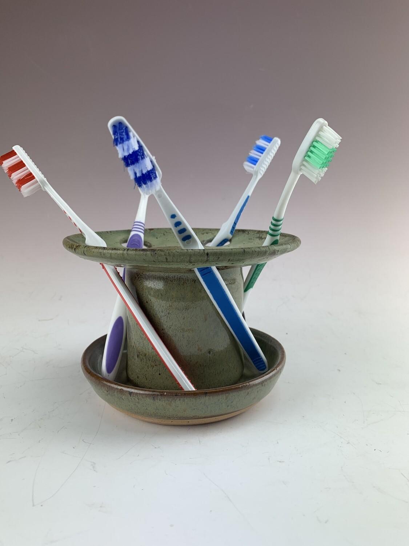 Toothbrush Holder/Mountain
