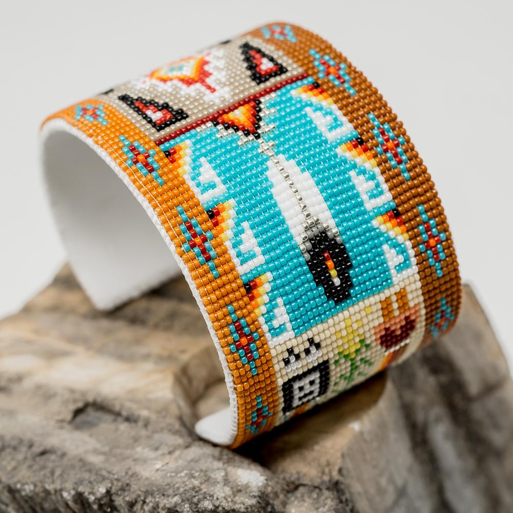 Apache Beaded Bracelet JE200040