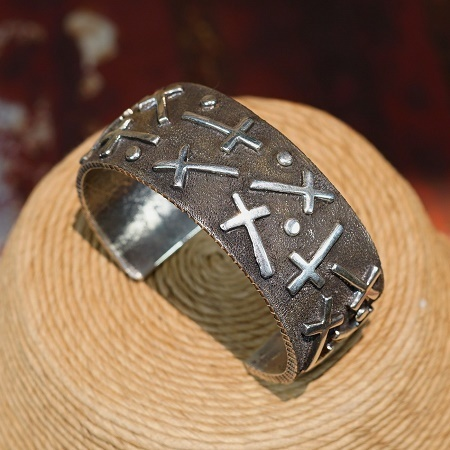 Tufa Cast Silver Cross Wide Cuff JE160057