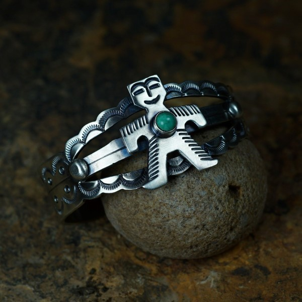 'Fred Harvey' Style Native Figure Cuff Bracelet with Turquoise JE160133