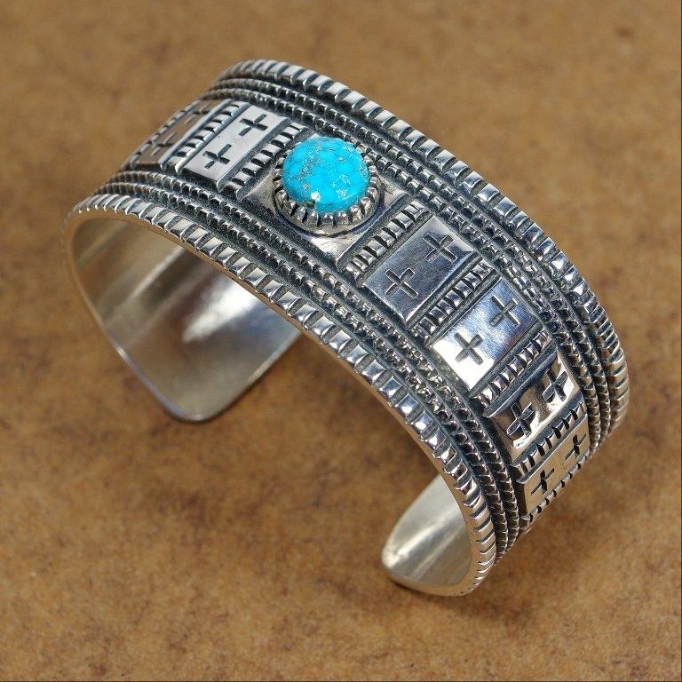 Sterling Silver Turquoise Bracelet JE170152