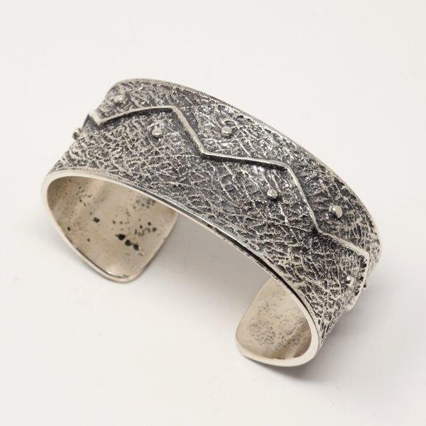 Gary Custer Tufa Cast Bracelet JE170237