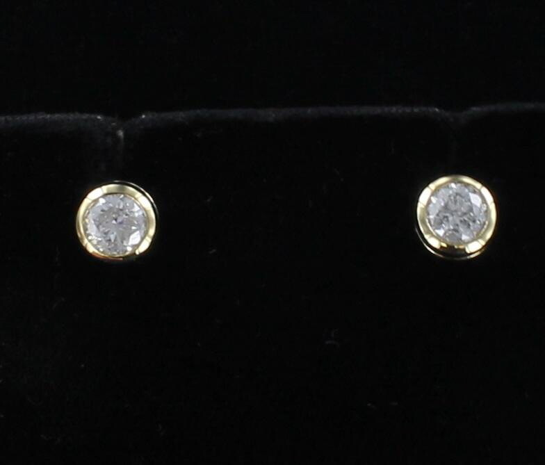 14KT 1.47 CT TW DIAMOND BEZEL SET STUD EARRINGS
