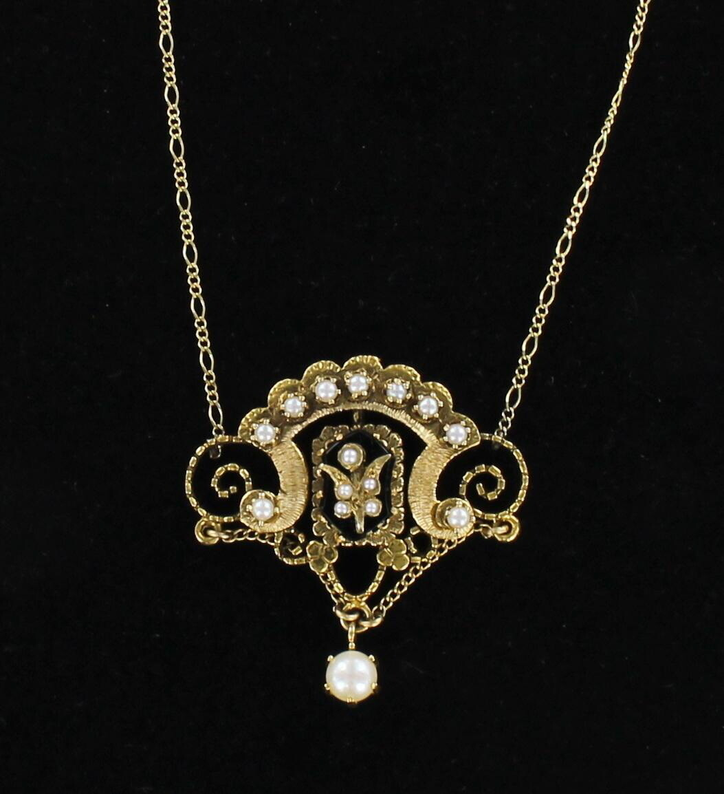14KT ONYX AND PEARL PENDANT CIRCA 1920