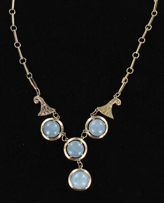 9KT 23.0 CT TW CABOCHON AQUAMARINE NECKLACE CIRCA 1900