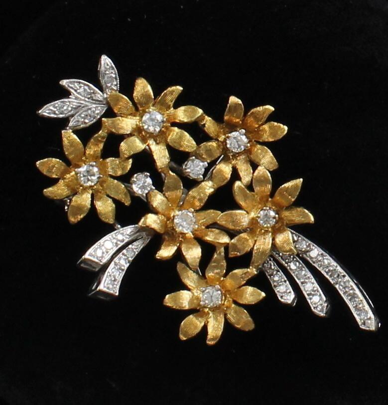 18KT 2-TONE GOLD DIAMOND FLOWER PIN