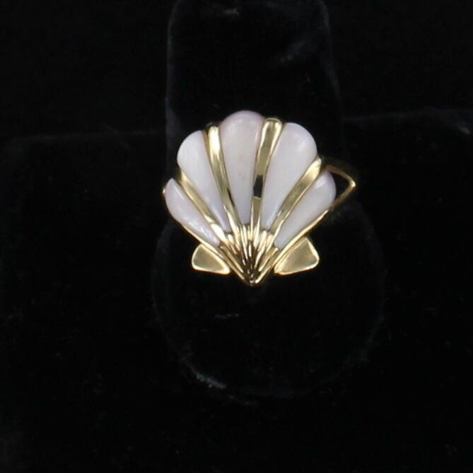 14KT MOTHER OF PEARL RING