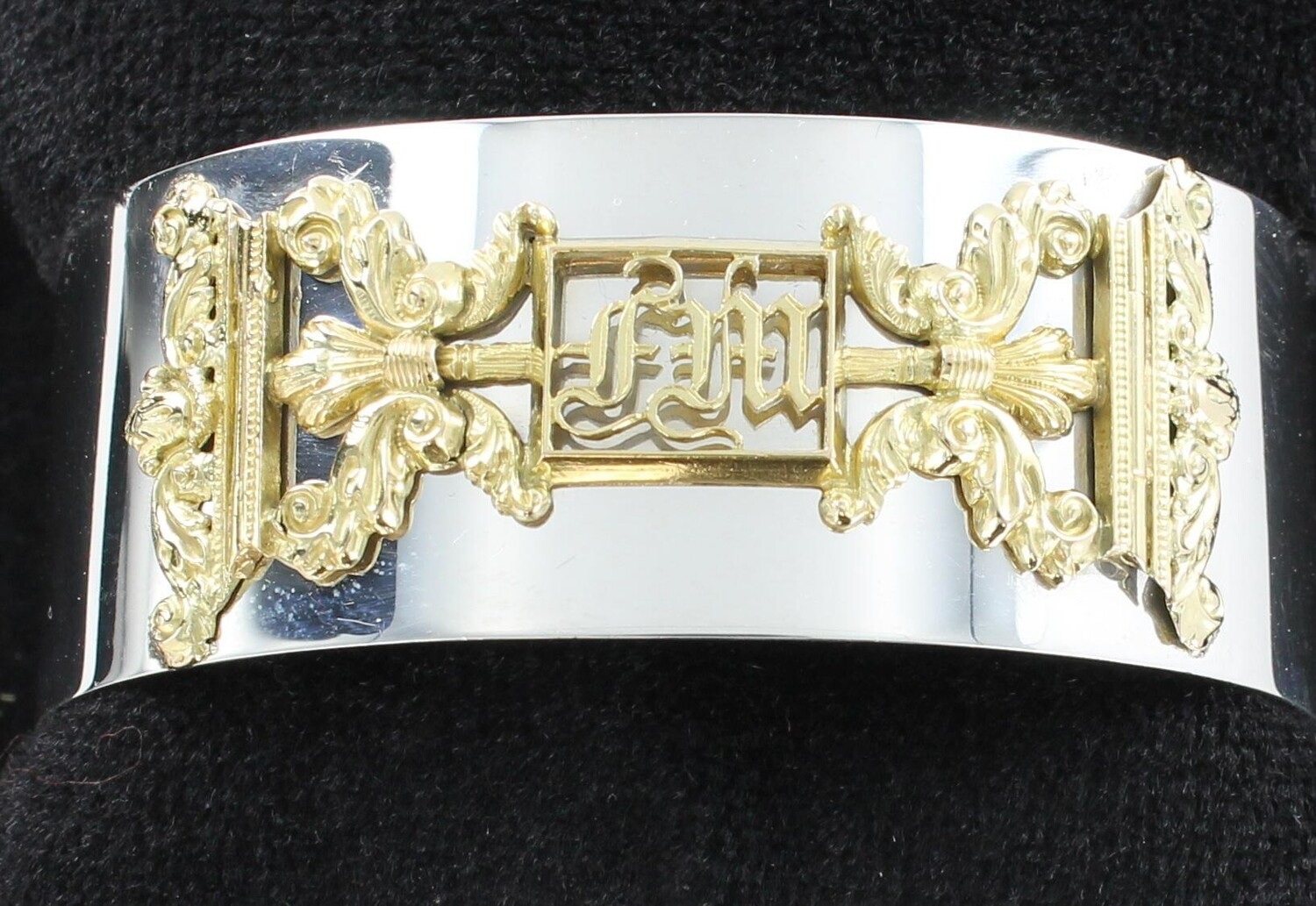 14 KT.YELLOW GOLD AND SILVER BRACELET