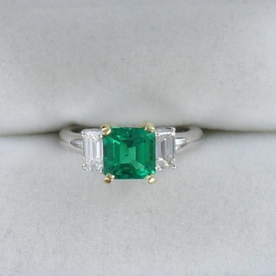 18KT/PLATINUM EMERALD AND DIAMOND RING