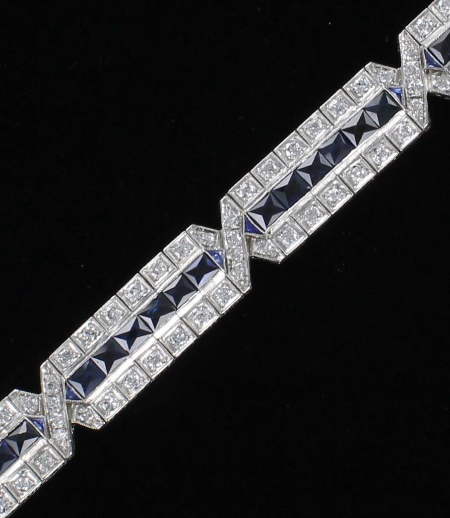 PLATINUM 5.0 CT TW DIAMOND AND SAPPHIRE BRACELET CIRCA 1920