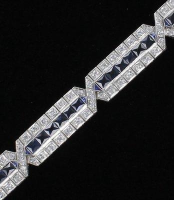 PLATINUM 5.0 CT TW DIAMOND AND SAPPHIRE BRACELET CIRCA 1920