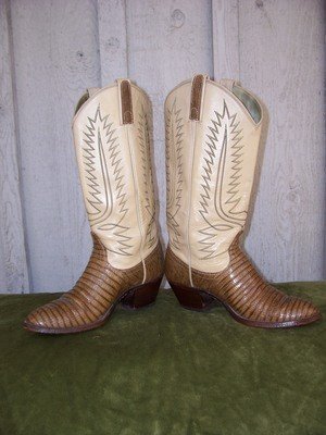 Just Might Be The Sweetest Pair of Lizard Boots I've Ever Seen!!