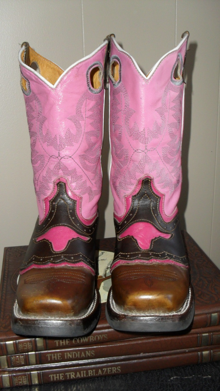 Pink Longhorn Gani Boots ... Go Big or Go Home!!