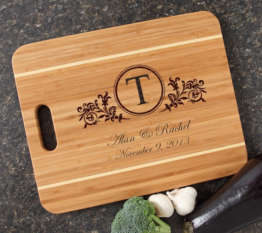Personalized Cutting Board Engraved 15x12 Handle DESIGN 15