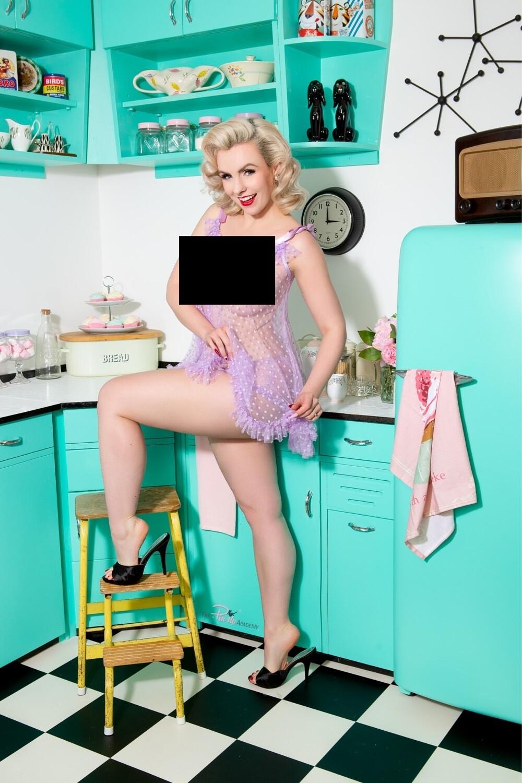 Dolly Daydream Kitchen