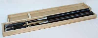 Set of two long chisels in box