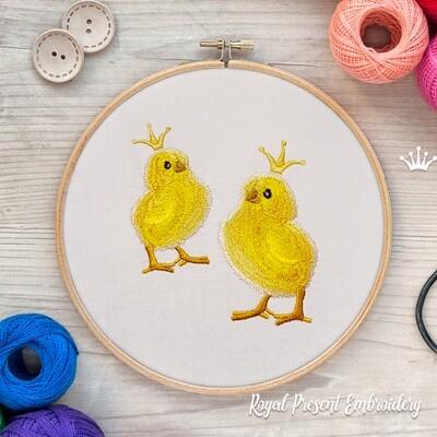 Цыпленок в короне Дизайн машинной вышивки - 2 размера