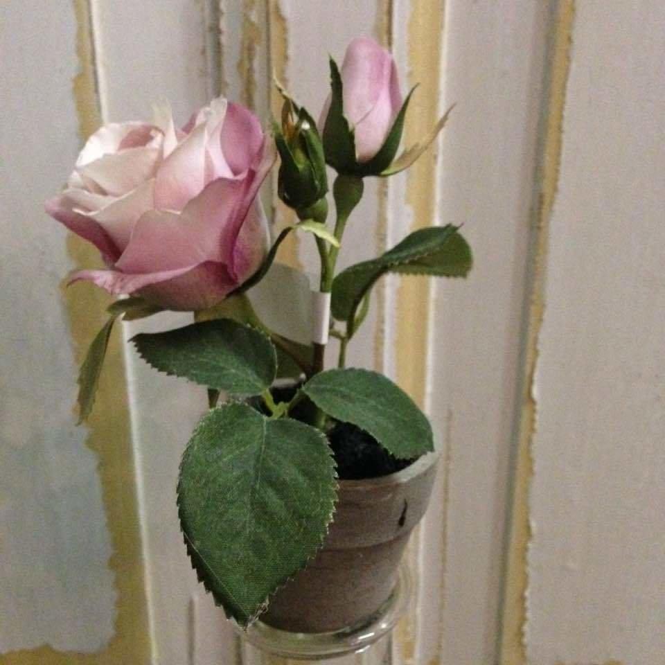 Dekorationsblomster - Rose i potte mini. H15 cm