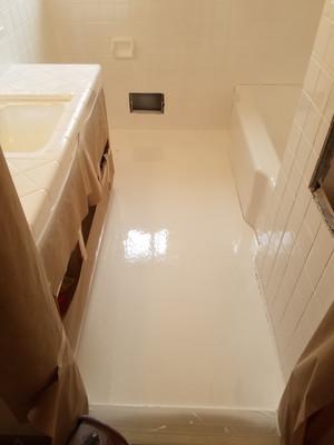 Bathroom Floor In Liquid Porcelain