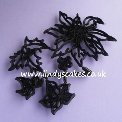 Poinsettia, Holly and Ivy Cutter and Embossing Set (Patchwork Cutters)