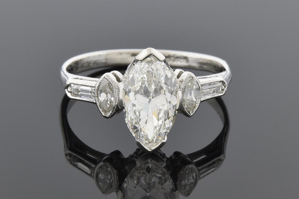 Art Deco 1.20 Carat Marquise Diamond Engagement Ring