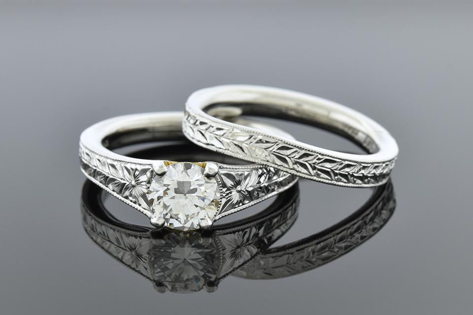 Carved Band Platinum Wedding Set