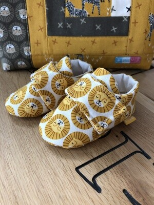 White Lion Baby Shoes, 0-3 months