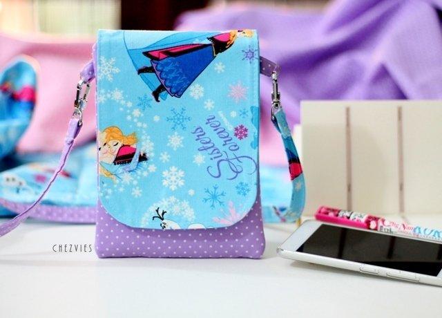 Ella and Anna Mini crossbody bag, Frozen Blue mini sling bag