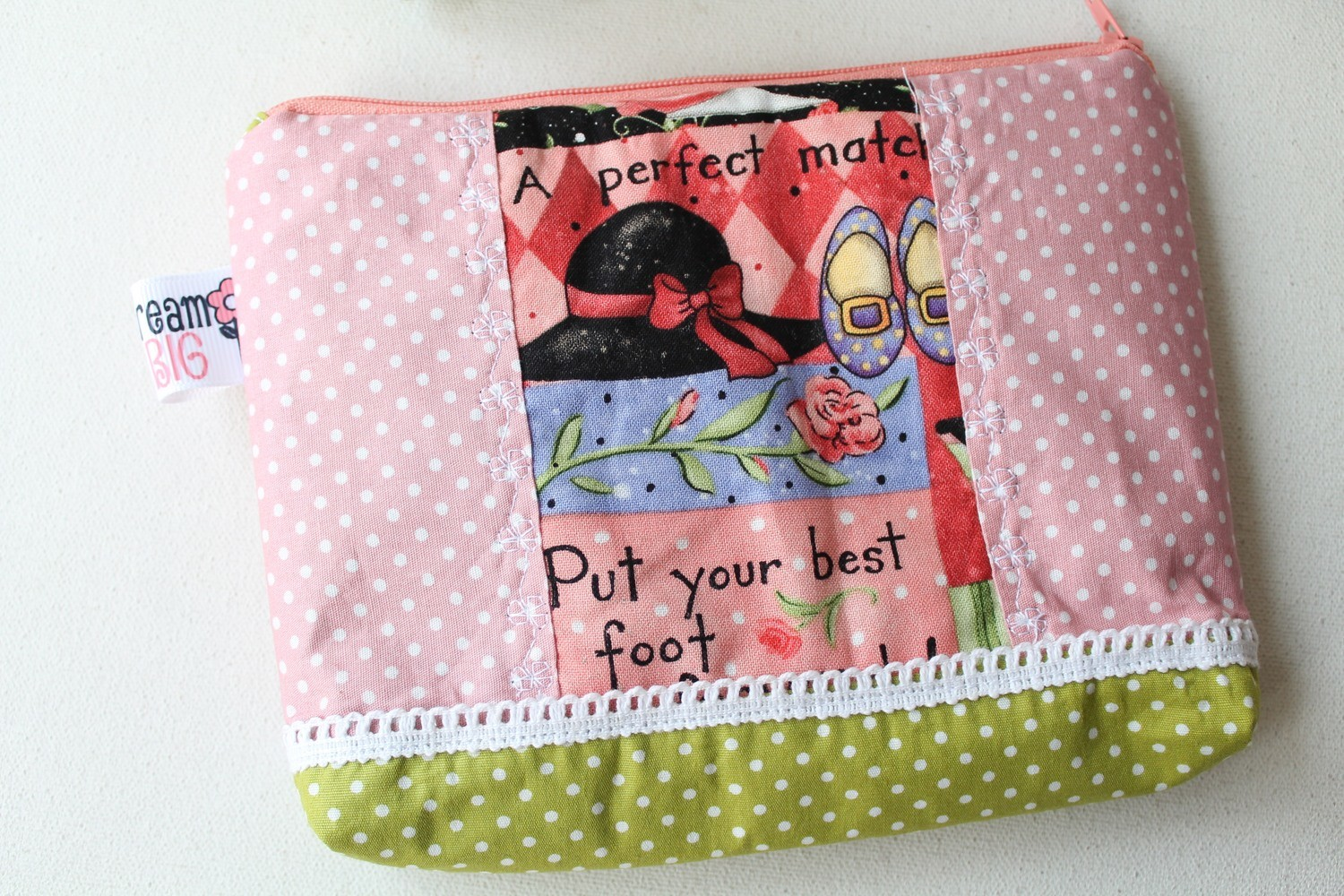 FREE PATTERN - Patchwork Zipper Pouch