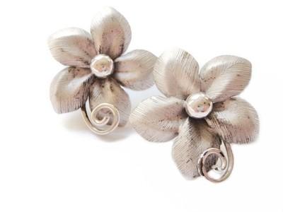 Bond Boyd 1950s Earrings Silver Large Flower Earrings