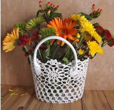"""Lace Baskets with handle, 8""""x 4 1/2""""x 6 1/2"""", Price Each"""
