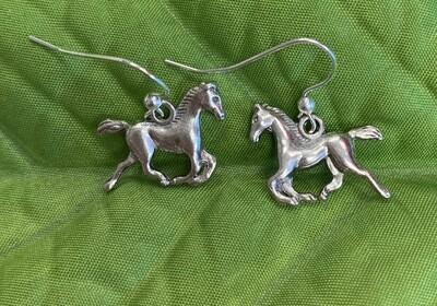 Beautiful Horse Galloping Earrings