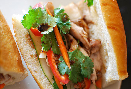 06. Grilled Chicken Sandwich LARGE (Banh Mi Ga Nuong)