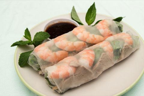 31.  Shrimp & Pork Spring Rolls (2 Rolls) - Goi Cuon Tom Thit