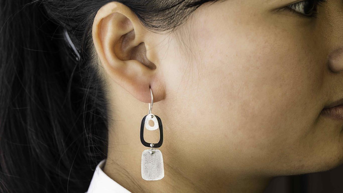 Silver oval shapes Earrings 1