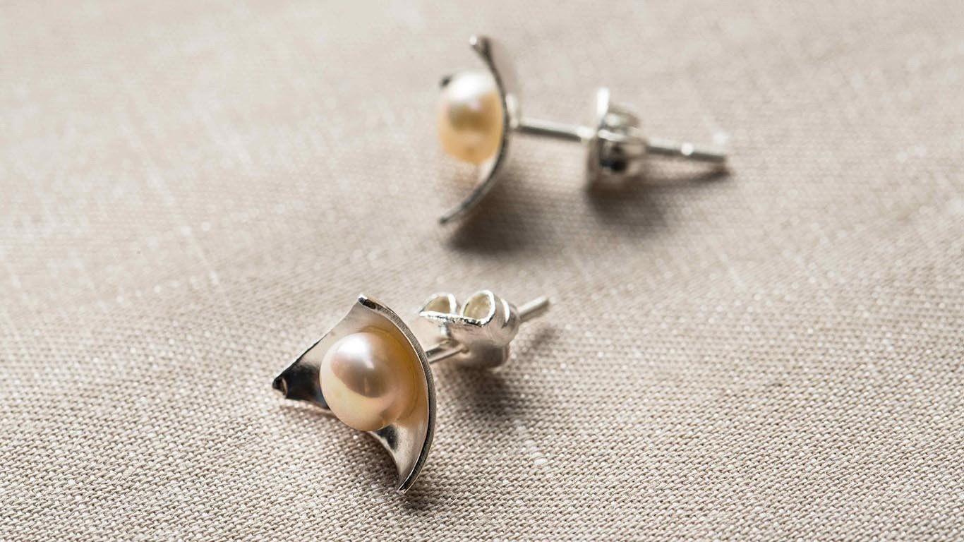 Triangle silver with pearls  earrings 1