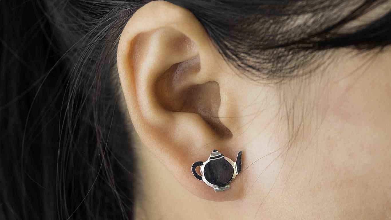 Silver tea pot Earrings 1