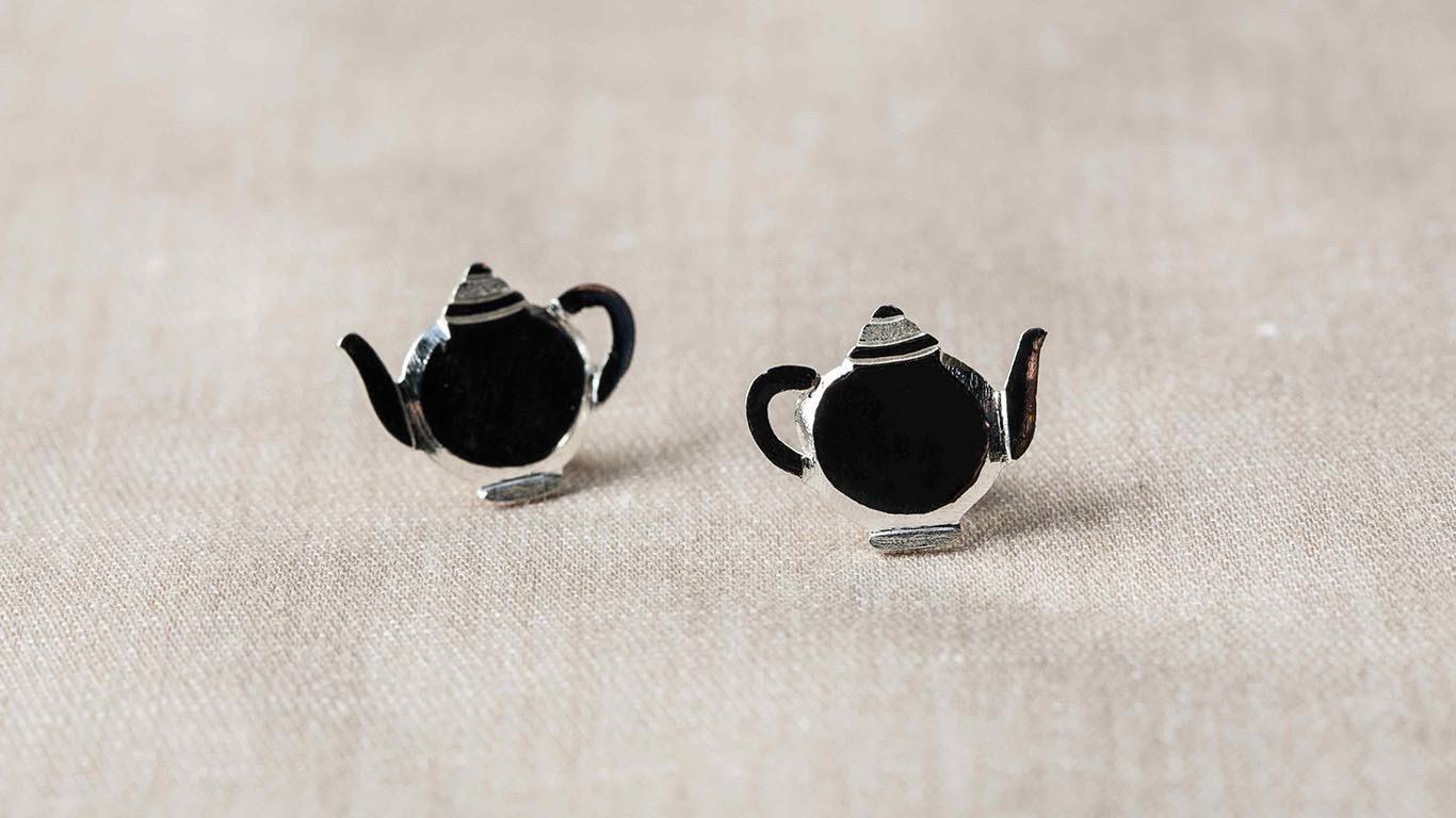 Silver tea pot Earrings 2
