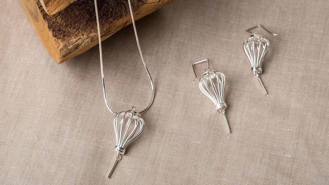 Silver Lanterns pendant 2