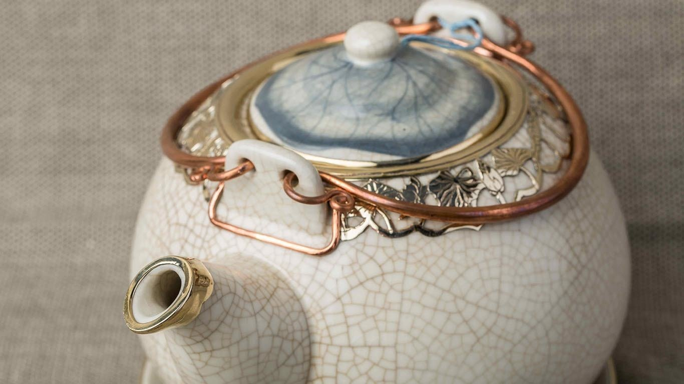 Teapot with Copper Lotus Flower Lacing