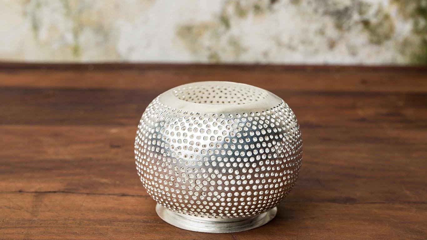 Sphere Plated silver candle holder