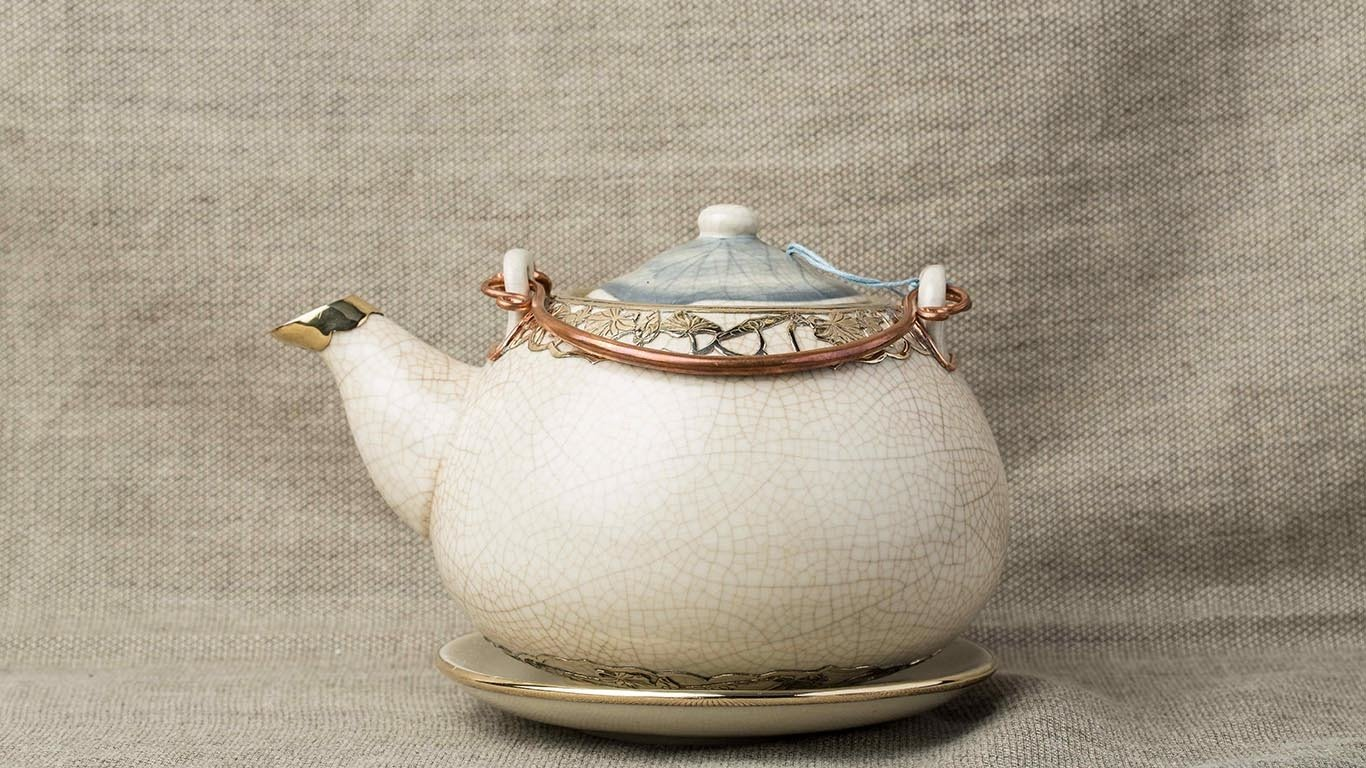 Teapot with Copper Lotus Flower Lacing AC9TSER