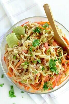 (L) Thai Noodle Salad w/ Peanut Sauce