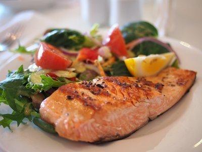 (M) Herbed Pesto Salmon w Ginger Jasmine Rice & Rainbow Veg