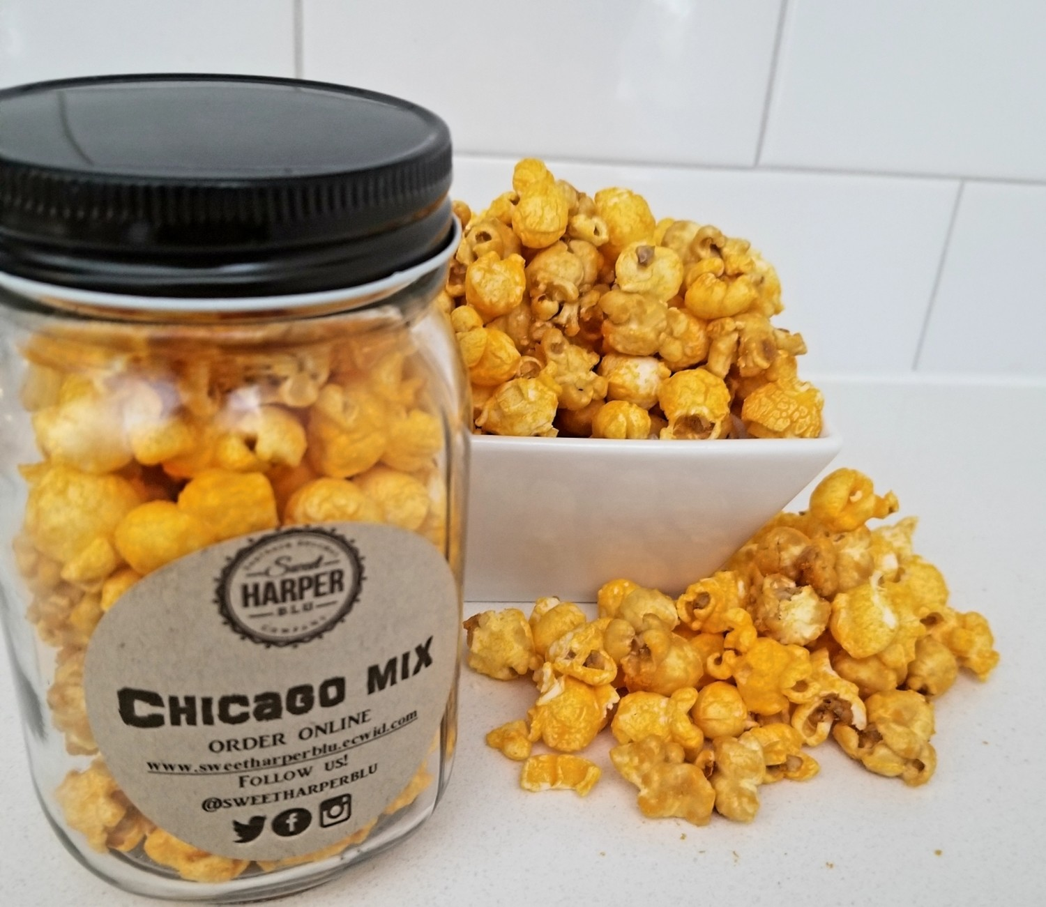 CHICAGO MIX (Southern Caramel and Cheddar Cheese)