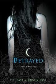 House of Night Book 2: Betrayed
